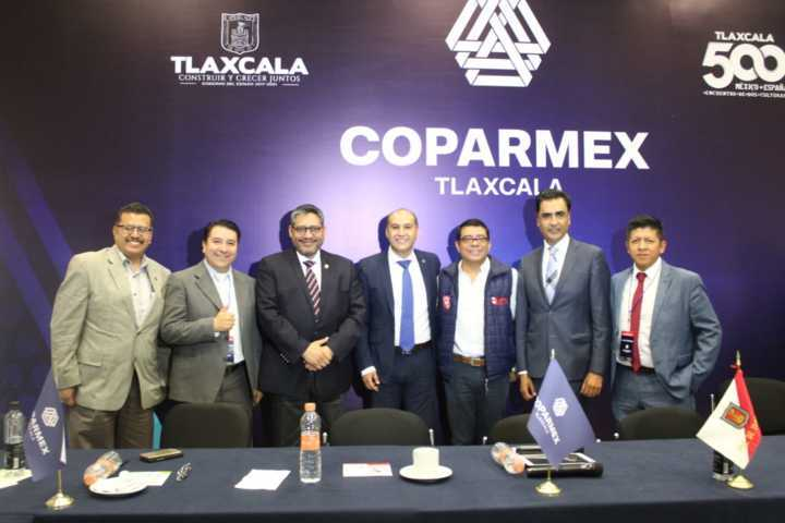 Acude Enrique Padilla a panel de COPARMEX