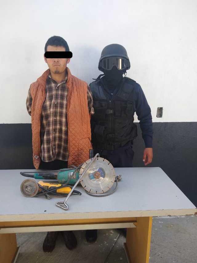 Policía municipal detienen presunto ladrón de casa-habitación
