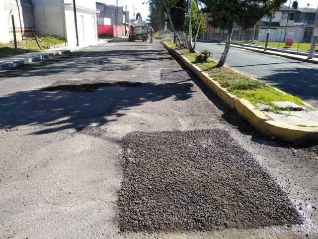 Programa permanente de bacheo ejecuta trabajos en el Boulevard del Sol de Apizaco