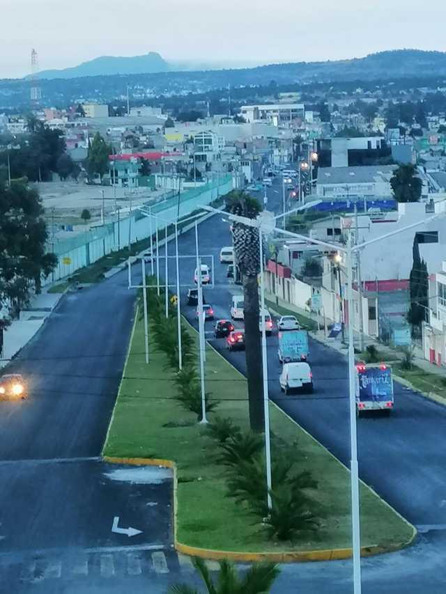 Colocan 25 postes nuevos para 100 luminarias en Apizaco