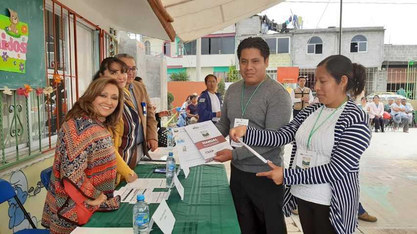 Inicia Lorena Cuéllar entrega de recursos de La Escuela es Nuestra en Tlaxcala