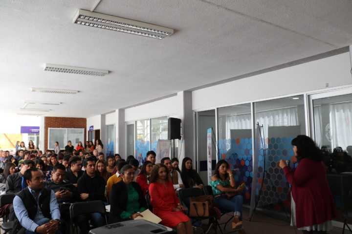 Imparten en Apizaco conferencia De La Violencia Al Éxito, en el marco del Día Naranja