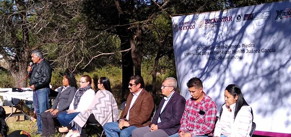 Colocan Primera Piedra de Universidad Benito Juárez en Xaltocan
