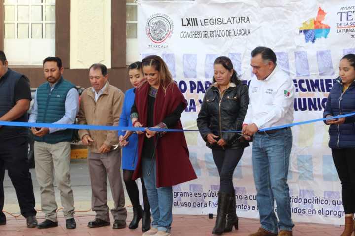 Diputada todo terreno apoya remodelación de Plaza las Américas en Tetla