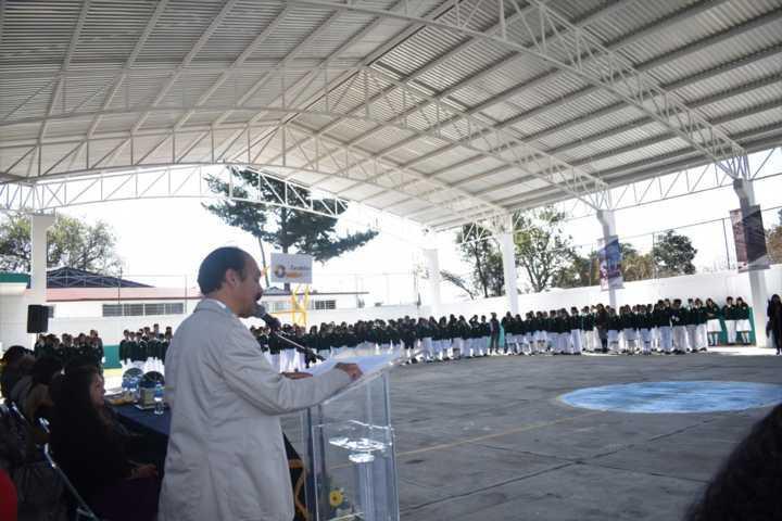 TOA entrega la techumbre número 14 ahora en la secundaria General Zacatelco
