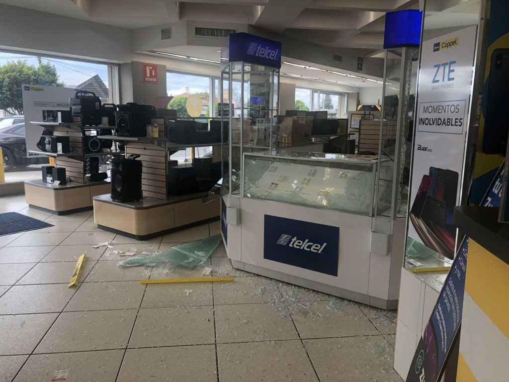 Detienen a ladrones de Coppel en Zacatelco