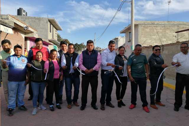 Oscar Murias sigue entregando obra pública en Nativitas