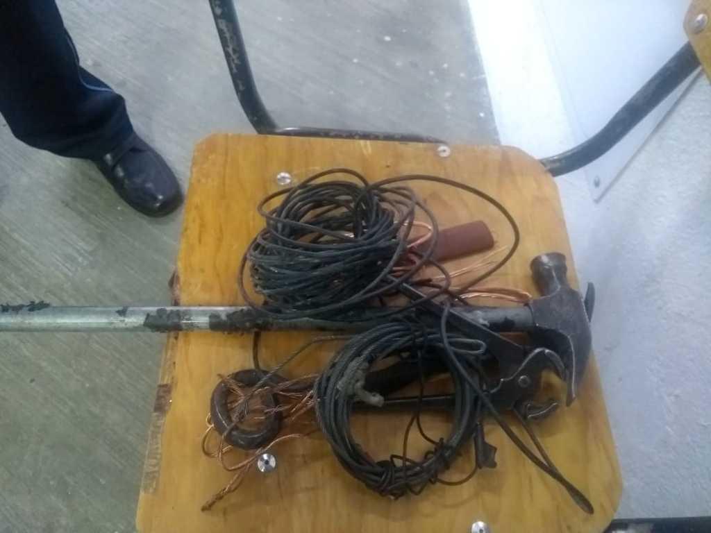 Detienen a un sujeto robando cable en la Plaza de Toros de Apizaco