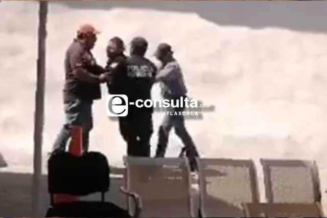Dos policías sufren quemaduras en Totolac durante manifestación