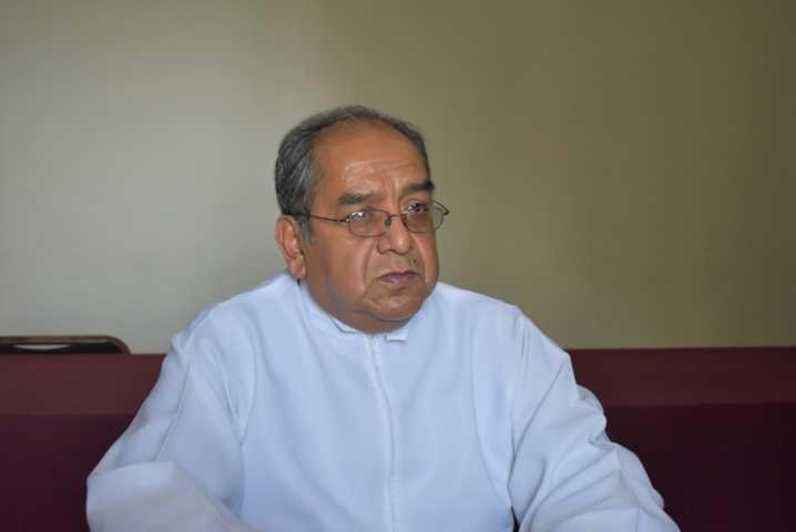 Párroco de Zacatelco pide acatar medidas preventivas por el bien de todos