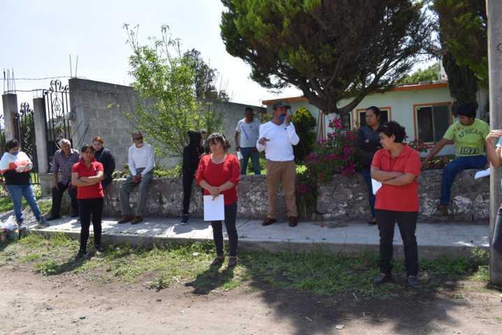 Entregan despensas a grupos vulnerables en Zacatelco