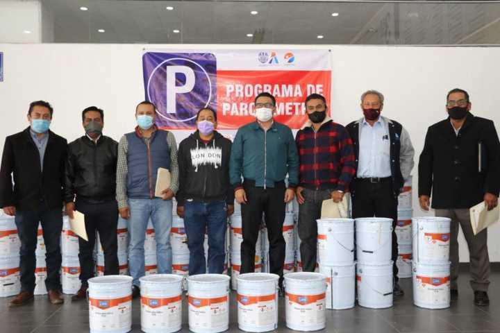 Con Parquímetros, se entregan 70 cubetas de pintura a comunidades de Apizaco