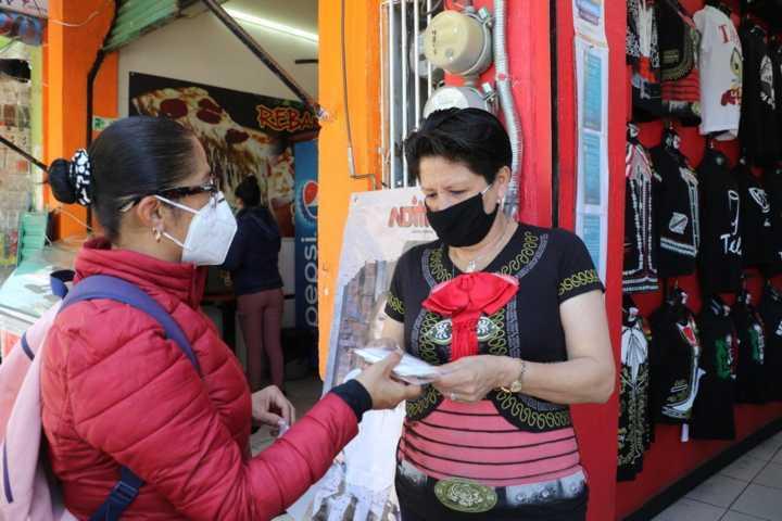 Ayuntamiento de Apizaco dota de cubrebocas KN95 a sectores sociales