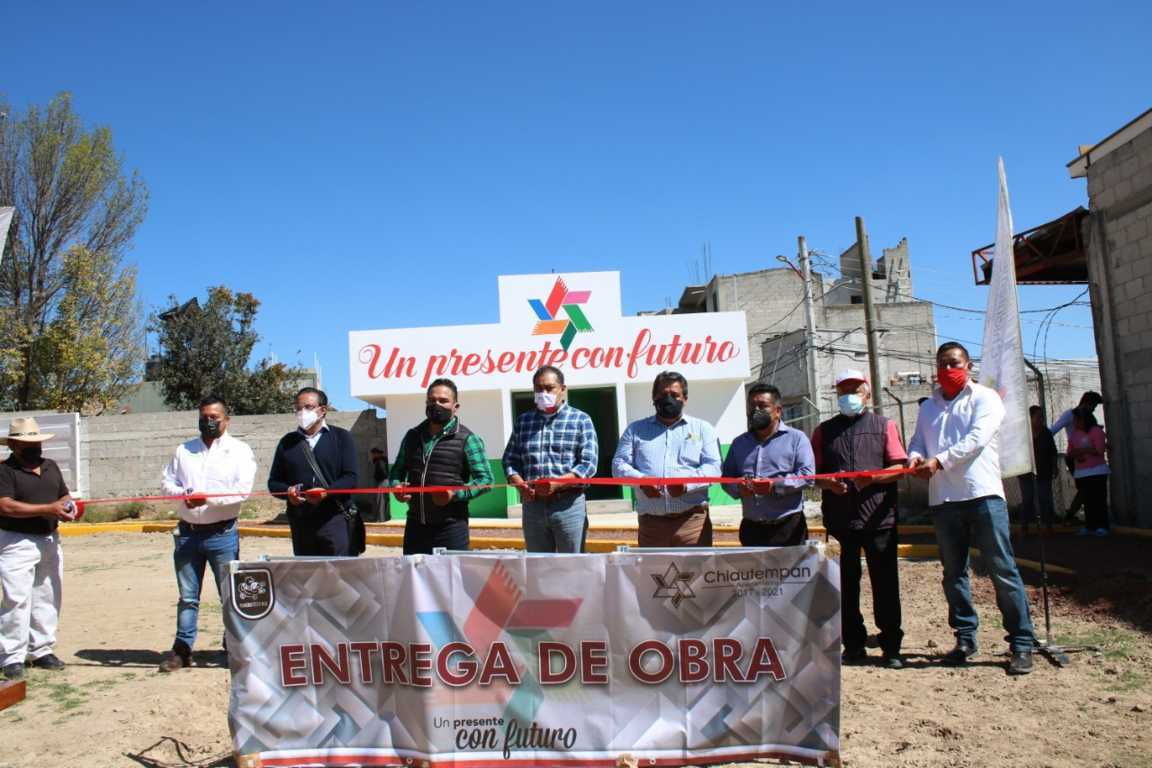 Héctor Domínguez entrega más de 3 millones de pesos en obra pública a la Colonia El Alto