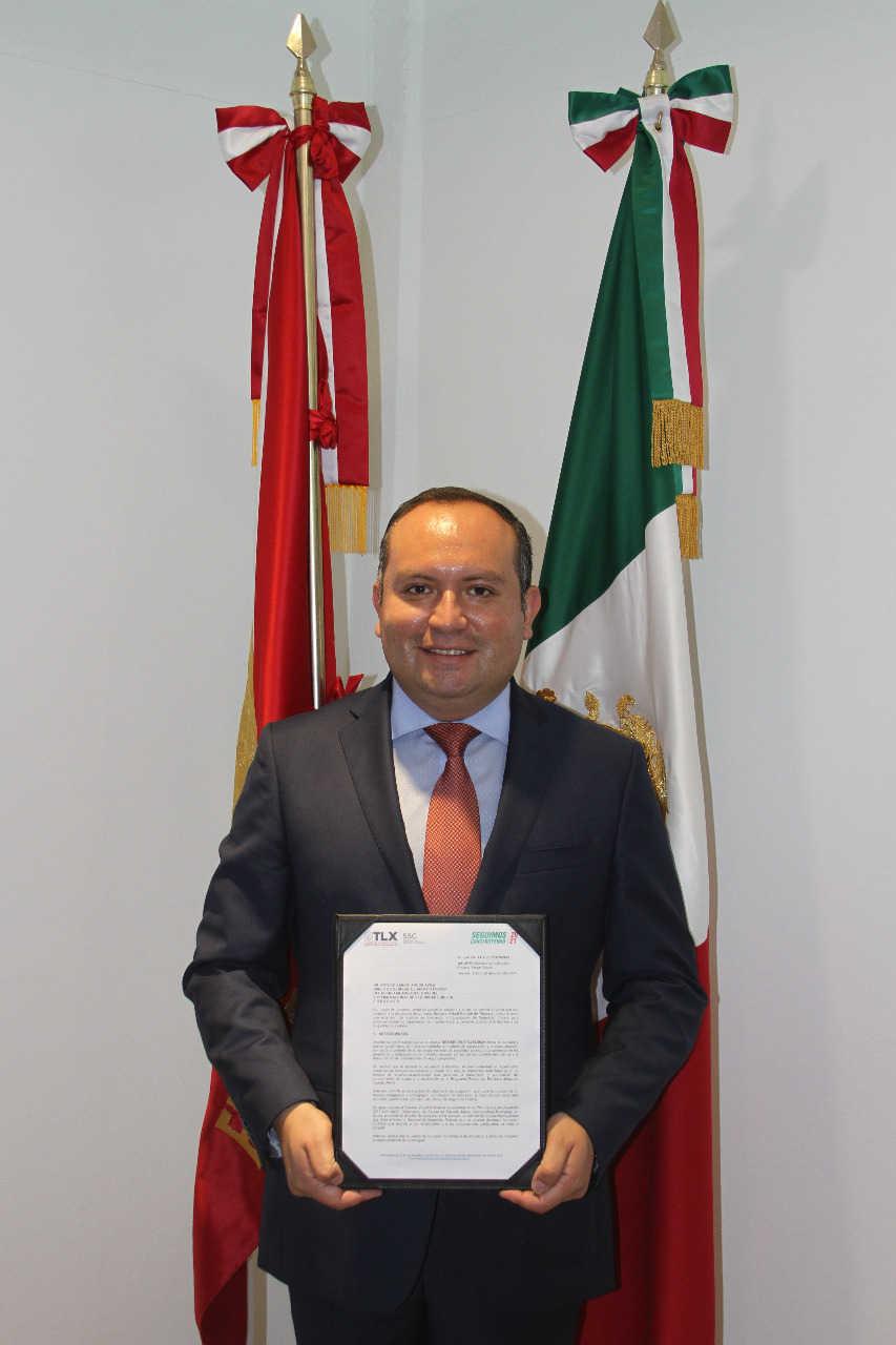Entrega SSC documentación para obtener la validación de la escuela virtual policial de Tlaxcala