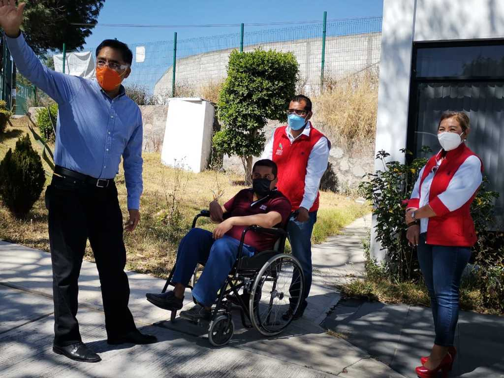 Alcalde de Papalotla entrega nueva unidad especial adaptada para personas con discapacidad