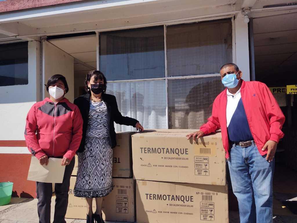 El Ayuntamiento de Ixtacuixtla hace entrega de calentadores solares a casas y centros de salud