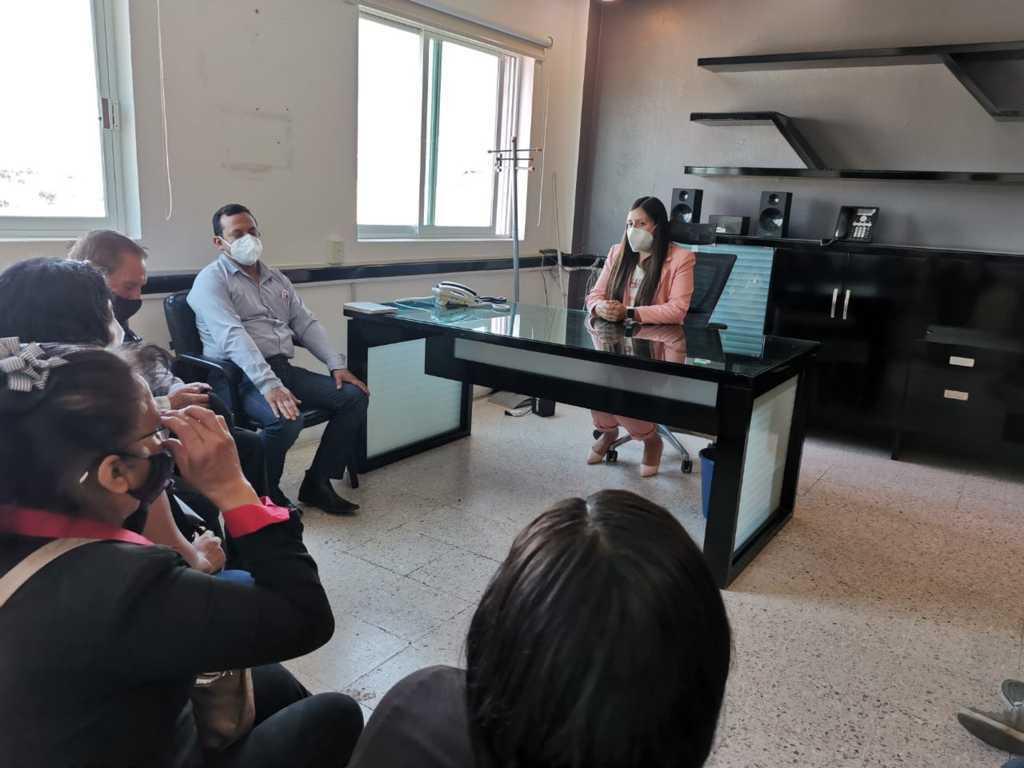 Alcaldesa de Tzompantepec pide compromiso de servicio a trabajadores del Ayuntamiento