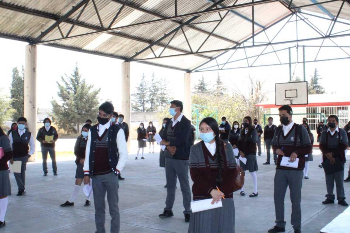 Inicia entrega de Becas Benito Juárez a estudiantes de EMS