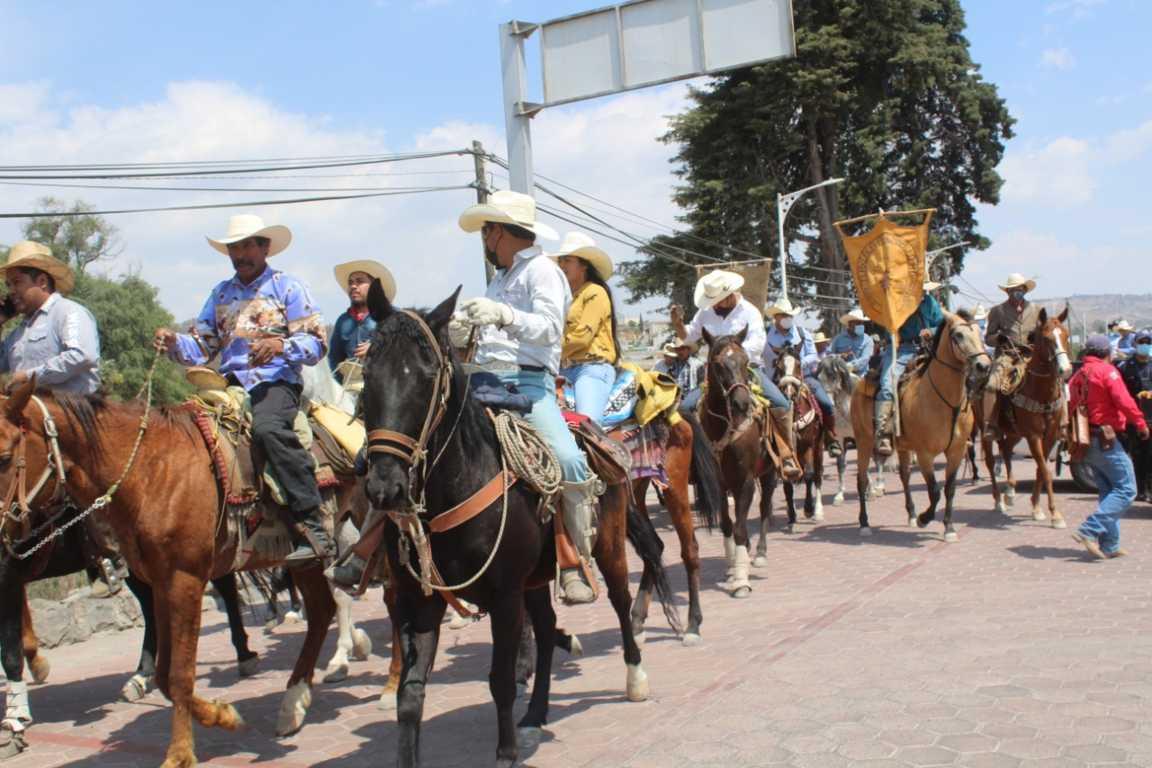 Cientos de caballerangos respaldan a Alfredo Ramírez López en Ixtacuixtla