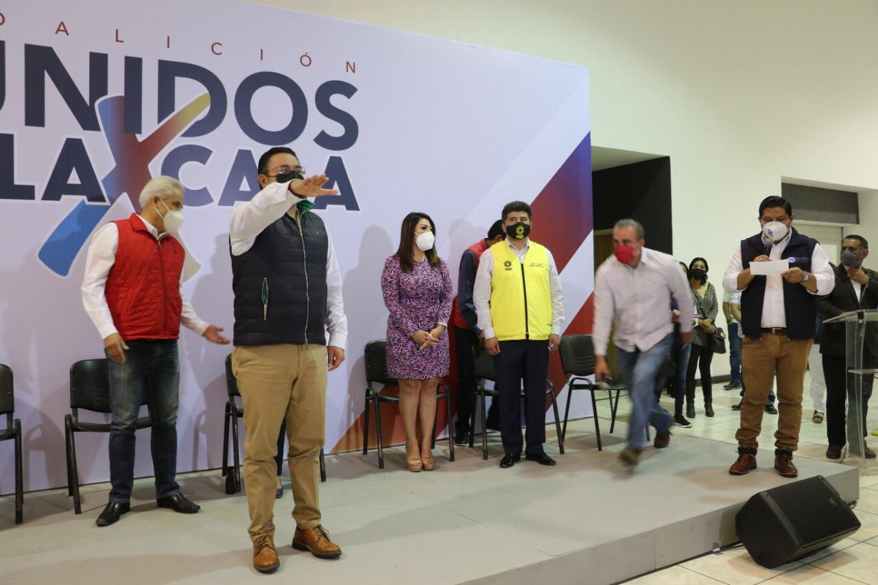 Julio si va. Rinde protesta Julio César Hernández como candidato a diputado federal