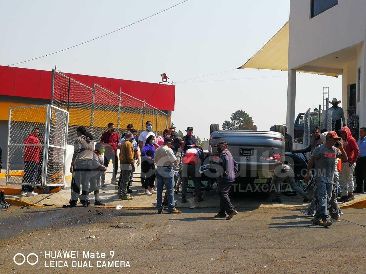 Se registra fuerte accidente frente a la Unidad Xicoténcatl
