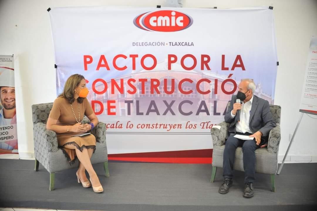 Eréndira Jiménez, firma Pacto por la Construcción de Tlaxcala