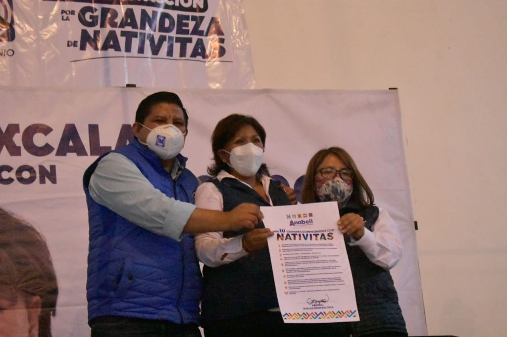Nativitas se pintará de azul con Rosa Elena Flores y Óscar Murias