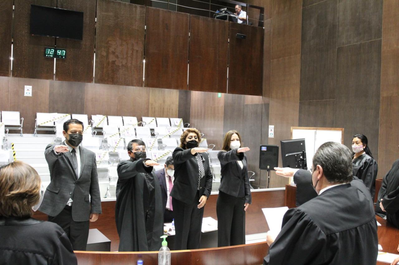 Rinden protesta integrantes del Comité de Ética y Conducta del TSJE