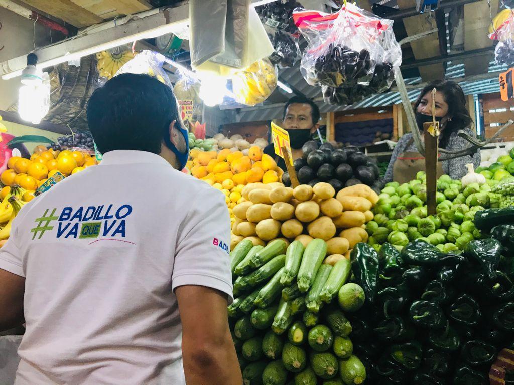 Gran recibimiento de Pablo Badillo en el Mercado Guadalupe