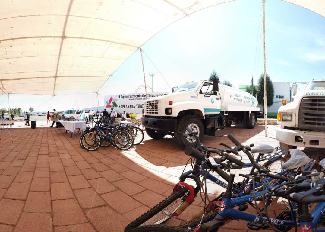 Equipan a la CAPACH; bicis camionetas y pipas serviran a los chiautempenses