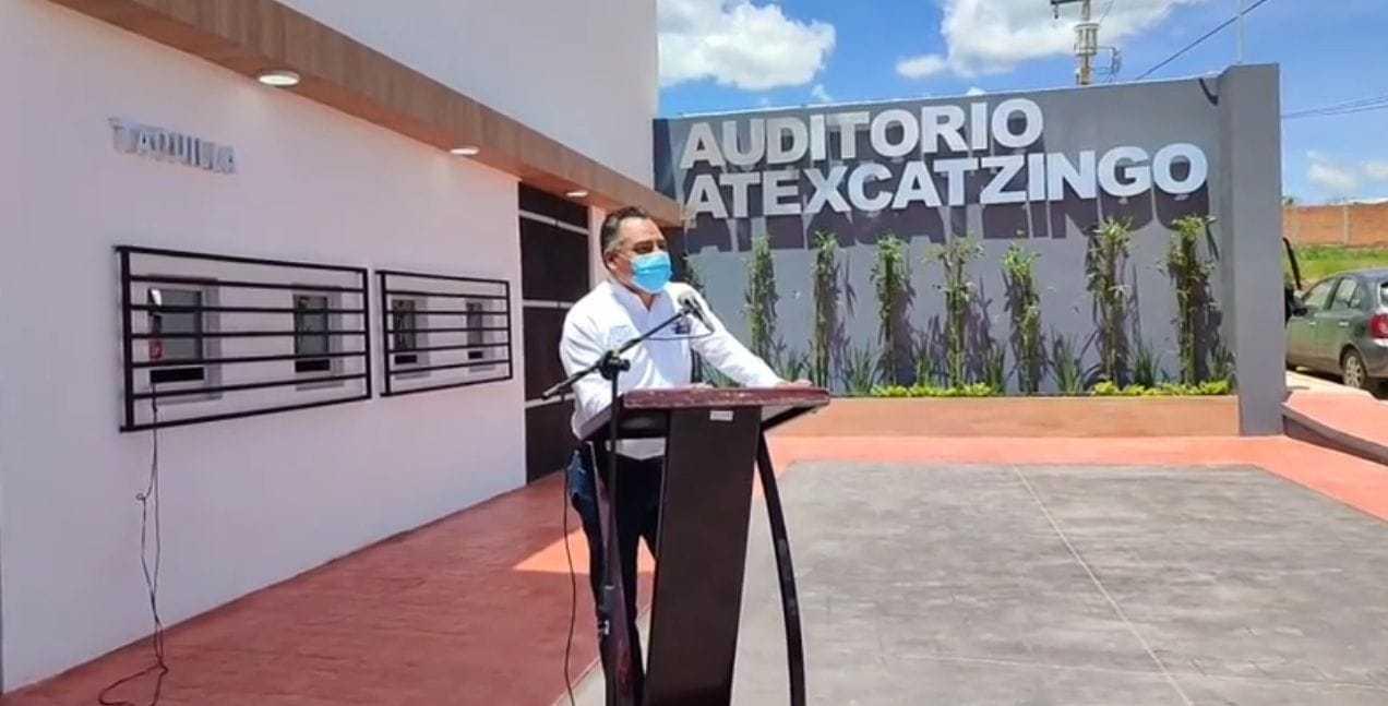 Alcalde de Tetla moderniza el auditorio de Atexcatzinco