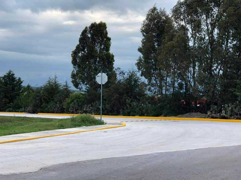 Alcalde mejora la infraestructura carretera de San Antonio Techalote