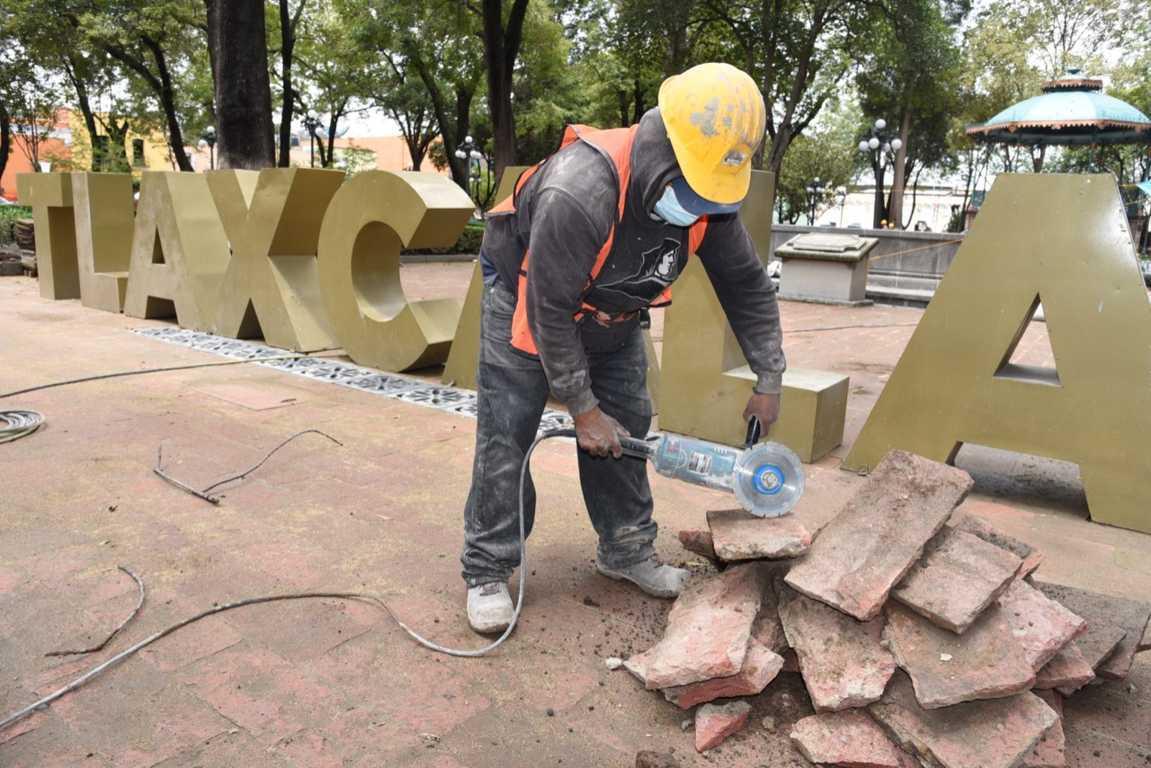 Verifica Jorge Corichi obras de remodelación del Centro Histórico de Tlaxcala