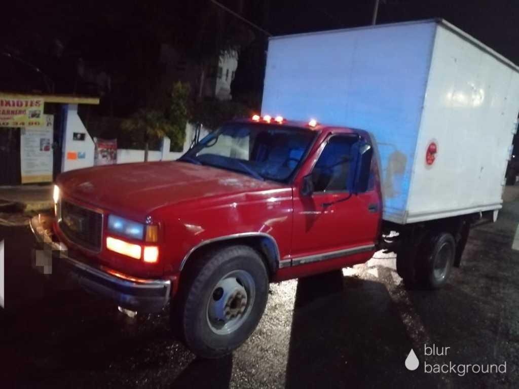 Policía de Papalotla frustra robo de camioneta cometido en Zacatelco