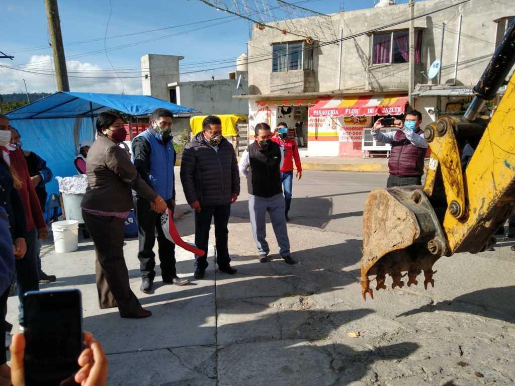 Alcaldesa de Panotla inicia su 1er obra de mejoramiento urbano en Huiloapan