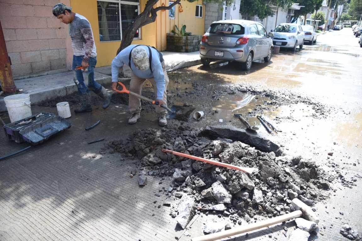 Repara CAPAM fuga de agua potable en la ciudad de Tlaxcala