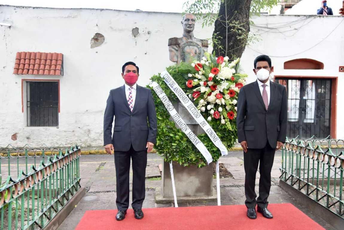Alcalde montó guardia de honor en aniversario luctuoso del coronel Felipe Santiago Tetlamatzi
