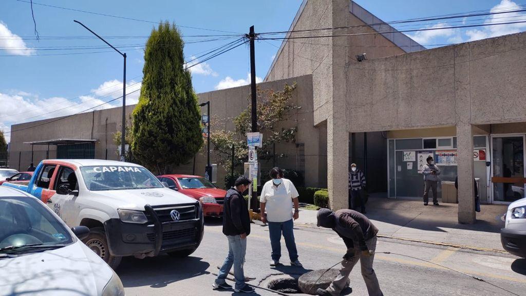 Atiende la CAPAMA petición de desazolve en hospital de Apizaco