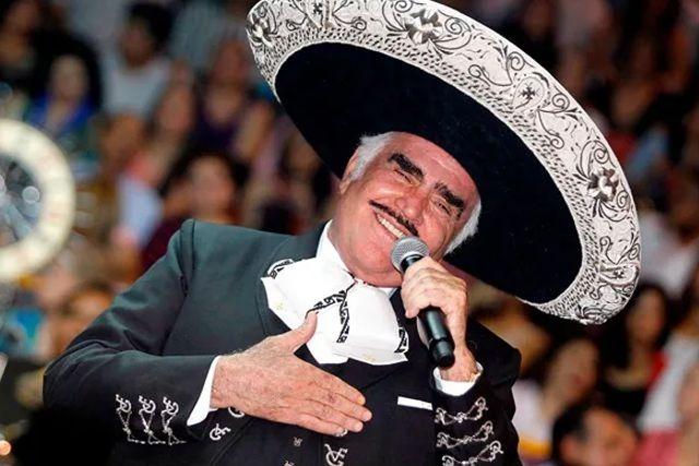 Se agrava estado de salud de Vicente Fernández, pierde su movilidad