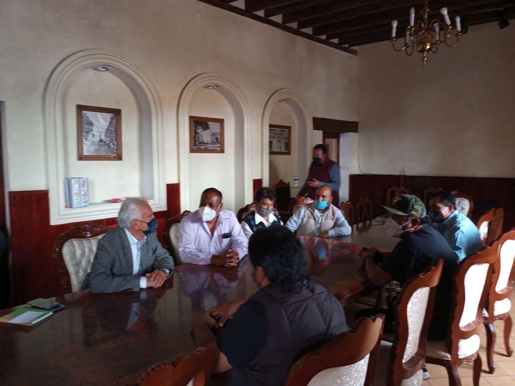 Analizan autoridades de Chiautempan y transportistas reubicación de paraderos y ruta