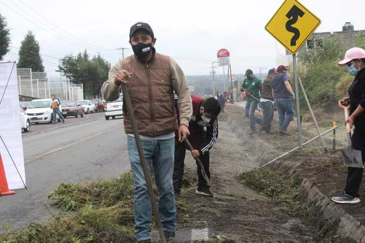 Alcalde David Martínez, emprende Jornadas de limpieza, en Santa Cruz Tlaxcala