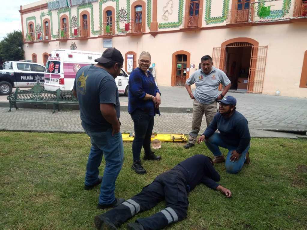 En Santa Cruz Tlaxcala, PC, SP, paramédicos y civiles se capacitan para emergencias como sismos