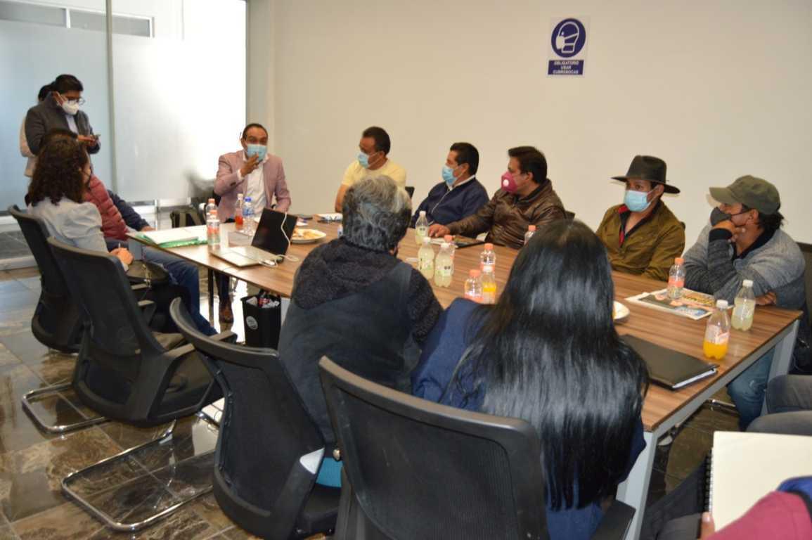Atiende Miguel Ángel Caballero Yonca a presidentes de comunidad de Huamantla