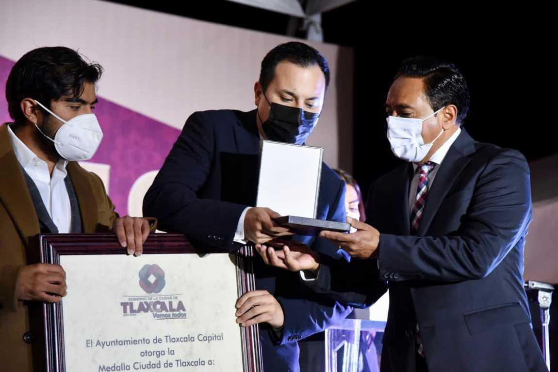 """Reconoce Ayuntamiento de Tlaxcala a personal médico y hospitalario combatiente de la enfermedad COVID19 con la """"Medalla Ciudad de Tlaxcala"""""""