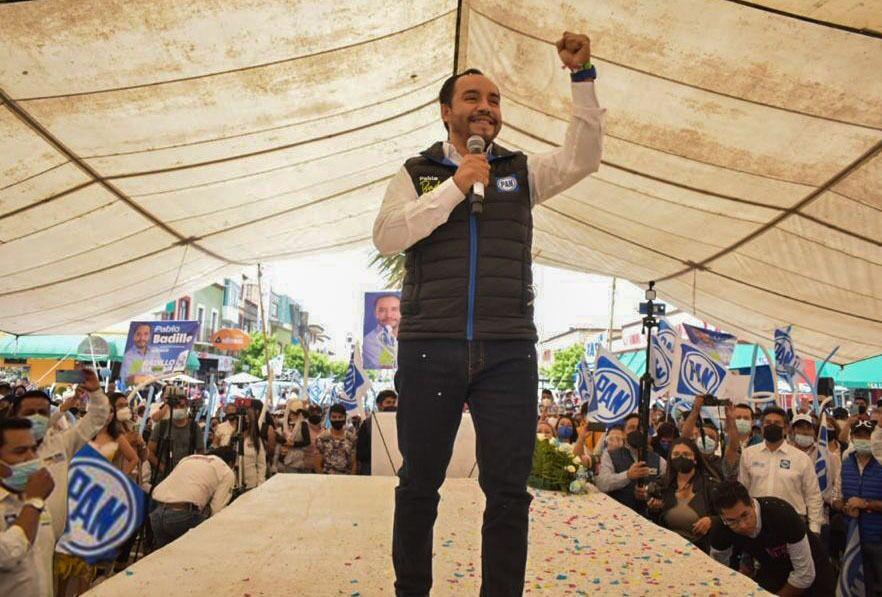 A un mes de administración, cumple Pablo Badillo con compromisos de campaña
