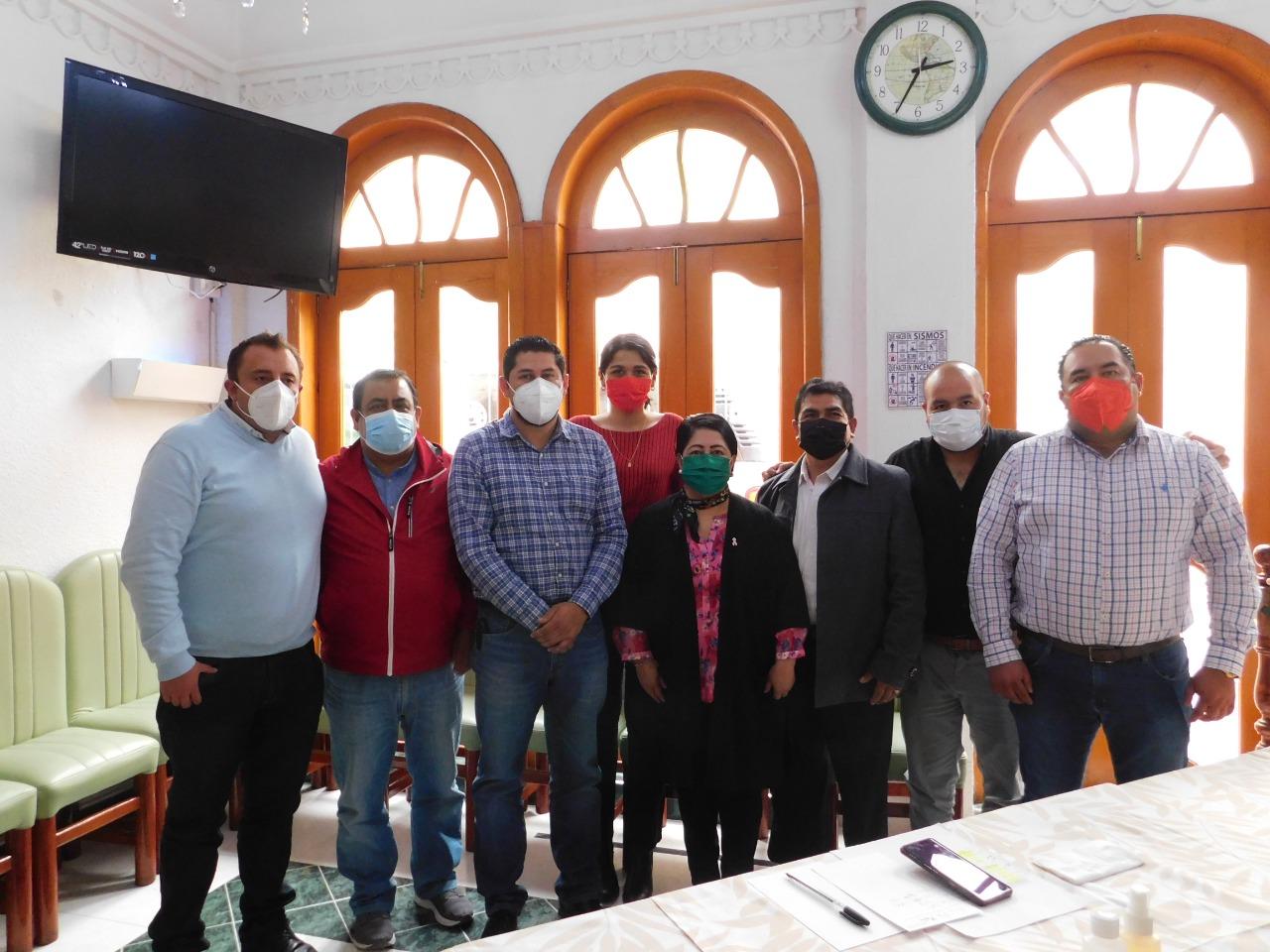 Se reúnen fracción del pri del Congreso Local con alcaldes de ese partido