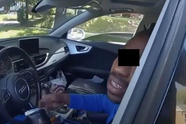 Arrestan a un conductor parapléjico y los policías lo sacan de los pelos
