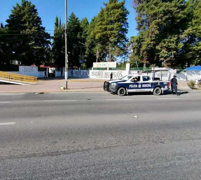 Policia de Xicohtzinco brinda apoyo a estudiantes y padres de familia del municipio