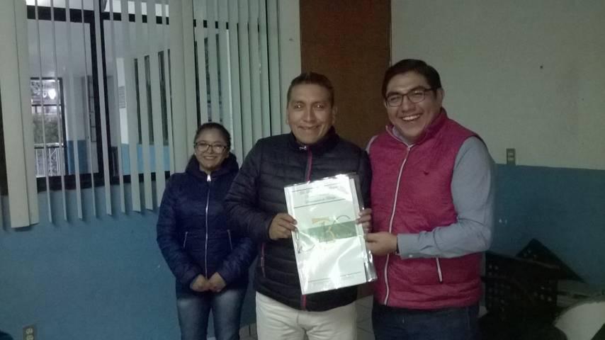 Alcalde entrega escrituras de 2 predios, uno Quiahuixtlán y en Chimalpa
